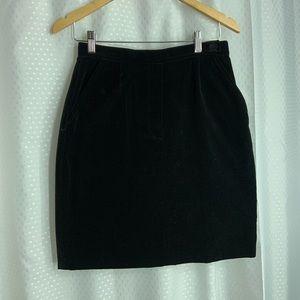"""Tommy Hilfiger black felt mini skirt w pockets 28"""""""